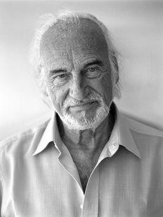 Héctor Alterio Héctor Benjamín Alterio Onorato (Buenos Aires, 21 de septiembre de 1929) conocido como Héctor Alterio, es un actor argentino partícipe en teatro, películas y series.