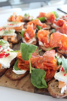 canapes & rose wine
