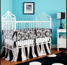 Babies Nursery Decorating Ideas with Black and White Theme Colours