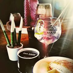 Enjoy the sun with a good gin tonic at Den Haze in Wingene ! ... Source : vince_deruyck.#sunny #belgium #belgianfood #frenchfood #instafood #foodporn #gin #gintonic #goodlife #lifestyle #knokke #discount #restopass #instapic
