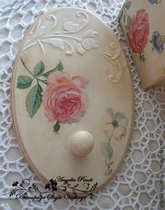 Crafts To Sell, Diy And Crafts, Arts And Crafts, Paper Crafts, Shabby Chic Farmhouse, Shabby Chic Decor, Decoupage Vintage, Clay Design, Painting On Wood