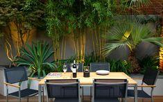 Decor of Contemporary Garden Decor Outdoor Bamboo Plants For Small Garden Design Using Modern - Simple design could make a remarkable adjustment on the who Terrace Garden Design, Tropical Garden Design, Small Garden Design, Patio Design, Balcony Garden, Rooftop Design, Tropical Plants, Tropical Backyard, Corner Garden