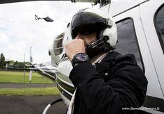 Pilote d'hélicoptère portant une Tissot T-Touch Expert Solar