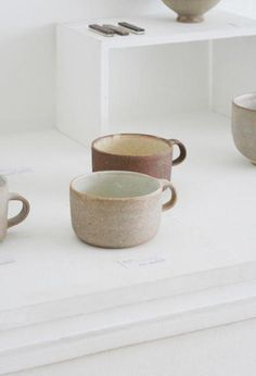 hasuo yasuko coffee mugs. hasuo yasuko coffee mugs. Ceramic Tableware, Ceramic Clay, Kitchenware, Ceramic Bowls, Porcelain Clay, Pottery Mugs, Ceramic Pottery, Thrown Pottery, Slab Pottery