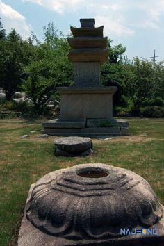 감산사지 3층석탑 Gyeongju, Architecture Old, Fountain, Buddha, Tower, Korean, Outdoor Decor, Furniture, Rook