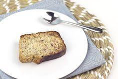 Banana bread sans gluten et sans sucre ! Un banana bread ultra moelleux, sans gluten et sans sucre, adapté au régime anti-candida, qui vous permettra d'utiliser vos bananes trop mûres !