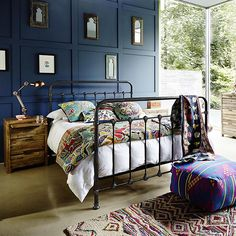 Bold Industrial Bedroom Furniture Ideas See ideas for bold industrial bedroom furniture including a black metal bed frame, gaslight bedsteads, cool corrugated iron wardrobe and heavy metal drawers. Industrial Bedroom Furniture, Industrial Bedroom Design, Black Bedroom Furniture, Blue Bedroom, Trendy Bedroom, Bedroom Sets, Bed Furniture, Industrial Style, Bedding Sets