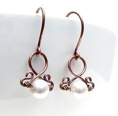 Hammered copper earrings, white pearl earrings, copper jewelry.