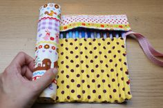 How to make a coloured pencil roll :D
