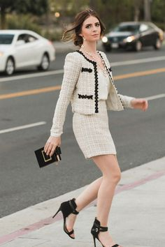 How To Create The Perfect Outfit With The Biggest Fashion Trend This Fall- Tweed - Chanel Dresses - Trending Chanel Dress for sales - How To Create The Perfect Outfit With The Biggest Fashion Trend This Fall Tweed Big Fashion, Look Fashion, Fashion Outfits, Womens Fashion, Fashion Trends, Fall Fashion, Feminine Fashion, Petite Fashion, Workwear Fashion