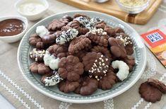 Chocolate and cinnamon spritz cookies No Cook Desserts, Dessert Recipes, Teriyaki Meatballs, Spritz Cookies, Meatball Recipes, Slow Cooker Recipes, Sugar Free, Mousse, Cinnamon