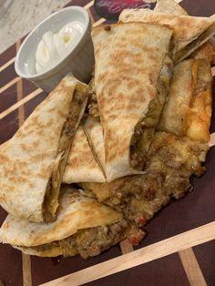 Beef and Cheese Quesadilla recipe - Al Dente Diva Cheese Quesadilla Recipe, Quesadilla Recipes, Burger Recipes, Mexican Food Recipes, Beef Recipes, Chicken Recipes, Dinner Recipes, Ethnic Recipes, Dinner Ideas