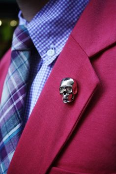 LVJ Haberdasher tartan tie for the guys Coral Blazer, Red Blazer, Fashion 101, Mens Fashion, Tartan Tie, Suit Up, Gentleman Style, Stylish Men, Lapel Pins
