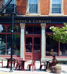 Having a coffee in Kingston, Ontario. Image by Rediscovering Canada