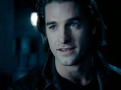 I'm now in love with the Michael Corvin character from Underworld.  Why won't they bring him back??  This always happens to me!