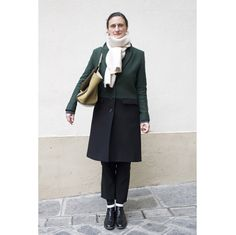 ロングコートやファージャケット。パリの最新スナップより、気になるアウターをチェック。 ( page 15 ) | VOGUE