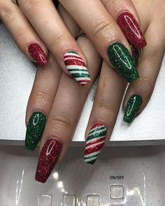 Christmas Gel Nails, Christmas Nail Art Designs, Holiday Nails, Easy Christmas Nail Art, Christmas Trees, Christmas Present Nails, Best Acrylic Nails, Stylish Nails, Hair And Nails