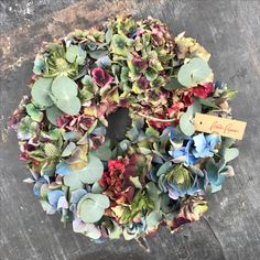 Succulents, Floral Wreath, Wreaths, Plants, Home Decor, Flowers, Homemade Home Decor, Door Wreaths, Flora
