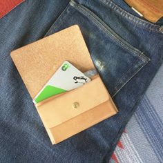 NEOLATINE WEB MAGAZINE: 開けば一枚革に!人縫製なしGHOSTシリーズの人気の「オリガミ」ショートウォレット♡