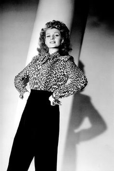 bertrampotts:  Rita Hayworth photographed by George Hurrell in 1942