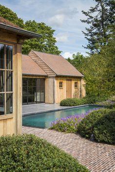 Onze tuinen - Stijn Phlypo Tuindesign Small Backyard Pools, Outdoor Pool, Outdoor Spaces, Outdoor Gardens, Outdoor Living, Thatched House, Hamptons House, Garden Buildings, Swimming Pool Designs