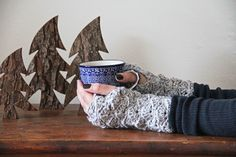Quick and easy fingerless gloves that will keep your hands and wrists nice and warm this Winter – and they are great for gifts too! This pattern works in the round is based on a stitch count of 10. For these chunky fingerless gloves, casting on 40 stitches gave me a little loose but comfy …