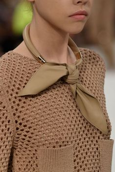 The Chicest Accessories from the Spring/Summer 2019 Catwalks - - Tod's – Runway – Milan Fashion Week Spring/Summer 2019 Source by linanomikou Fashion Sale, Fashion 2020, Boho Fashion, Womens Fashion, Fashion Trends, Milan Fashion, Fashion Dresses, Fashion Top, Fashion Stores