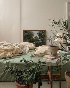 Room Ideas Bedroom, Bedroom Decor, Bedroom Inspo, Sage Green Bedroom, Decor Room, Room Ideias, Aesthetic Room Decor, Dream Rooms, My New Room