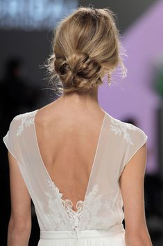 Marylise & Rembo Styling Barcelona Bridal Fashion Week 2017 - www. - Haircuts and Hairstyles Perfect Wedding Dress, Wedding Looks, Wedding Trends, Wedding Styles, Wedding Hairstyles, Cool Hairstyles, Bridal Hairstyle, Rembo Styling, Bridal Hair Inspiration
