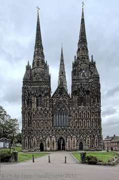 Lichfield Cathedral, Staffordshire, England   Fee & I were here once upon a dream ...