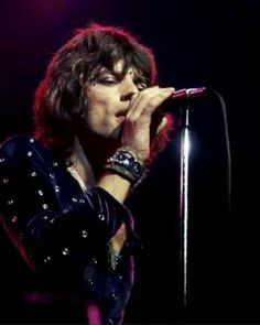 Mick Jagger makin' magic on stage.