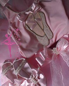 Brooch, Jewelry, Fashion, Shoes, Brooch Pin, Jewellery Making, Jewlery, La Mode, Brooches
