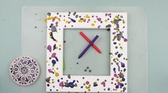 Here we are going to share crayon craft ideas in frame decorating. This tutorial is dedicated to wooden photo frame decoration in drip technique. This abstract… Crayon Crafts, Diy Crafts, Diy Photo Frame Cardboard, Photo Frame Decoration, Diy Gumball Machine, White Acrylic Paint, Drip Painting, Fabric Strips, Diy Pillows