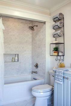 Fresh small master bathroom remodel ideas on a budget (41)