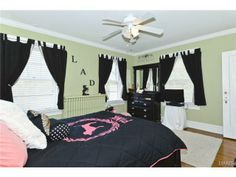 Home for sale at 7101 Kingsbury Boulevard, University City MO #STL