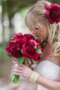 Deep red peony bouquet / Captured By: Vitalic Photo #weddingchicks --- http://www.weddingchicks.com/2014/06/13/get-creative-with-an-art-museum-wedding/