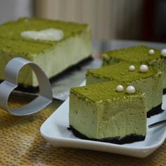 Tofu Dessert Recipe-Matcha Tofu Mousse via recipes on July 01 2019 at Tofu Dessert, Recipe R, Matcha, Oreo Biscuits, Korean Diet, Food Porn, Mascarpone Cheese, Mousse Cake