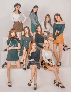 Kpop Girl Groups, Korean Girl Groups, Kpop Girls, Eyes On Me, Anime Backgrounds Wallpapers, Boy Idols, Young K, Cosmic Girls, Stage Outfits