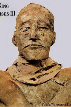 King Ramses III Ancient Symbols, Ancient Egypt, Egyptian Mummies, Visit Egypt, Louvre, History, King, Gold, Art History