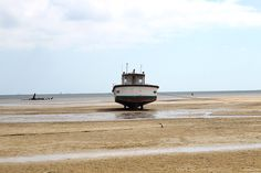 Lonely boat Maputo, Lonely, My Photos, Boat, Places, Dinghy, Feeling Alone, Boats, Loneliness