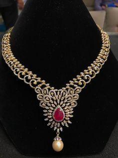 With gold chain Red Jewelry, Pearl Jewelry, Jewelery, Fine Jewelry, Unique Jewelry, Diamond Necklace Set, Stone Necklace, Diamond Jewelry, Gold Necklace