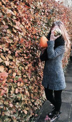 #fall #girl #pumpkin