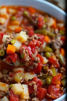 Easy vegetable soup with ground beef combines tender vegetables and savory ground beef in a flavorful broth to get mouthwatering hamburger soup, packed with protein, vitamins, and minerals. Vegetable Beef Barley Soup, Easy Vegetable Soup, Veggie Soup, Veggie Recipes, Cooking Recipes, Healthy Recipes, Healthy Meals, Easy Recipes, Healthy Food