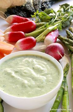 Whip up an appetizer that's all about flavor and presentation. Our crudités and cucumber dill dip double as a delicious appetizer and an edible centerpiece! Finger Food Appetizers, Yummy Appetizers, Appetizer Recipes, Dill Dip Recipes, Yogurt Recipes, Healthy Yogurt, Healthy Snacks, Work Meals, Easy Meals