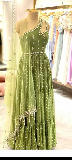 Indian Gowns Dresses, Indian Fashion Dresses, Indian Designer Outfits, Dress Design Sketches, Fashion Design Sketches, Designer Party Wear Dresses, Dress Indian Style, Indian Wedding Outfits, Lehenga