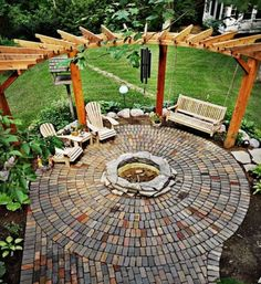 feuerstelle-garten-sitzplatz-pergola-pflaster-sitzbaenke-holzrasen-pflanzen-erde-haus Best Picture For patio table For Your Taste You are looking for something, and it is going to tell you exactly what you are looking for, and you didn't Read