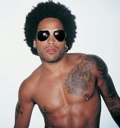 Everyone critiqued Lenny Kravitz when he wittingly wore an Afro in his famous video for American Woman, but now more and more people are bringing back this classic hairstyle from the and Lenny Kravitz, Eminem, Gorgeous Men, Beautiful People, Hello Gorgeous, Pretty People, Black Limousine, I Love Music, Chant