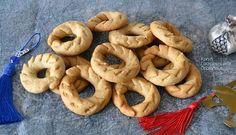 Τραγανά κουλουράκια λεμονιού (νηστίσιμα, με ελαιόλαδο) - cretangastronomy.gr Greek Recipes, Bagel, Bread, Cookies, Desserts, Food, Quotes, Crack Crackers, Tailgate Desserts