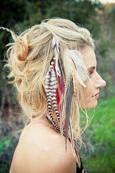 i love the feathers <3