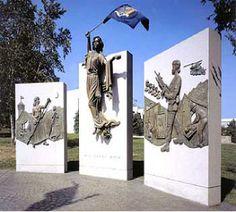 Women Veterans Memorial Image
